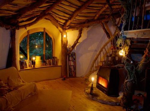 underground living hidden homes weirdomatic. Black Bedroom Furniture Sets. Home Design Ideas